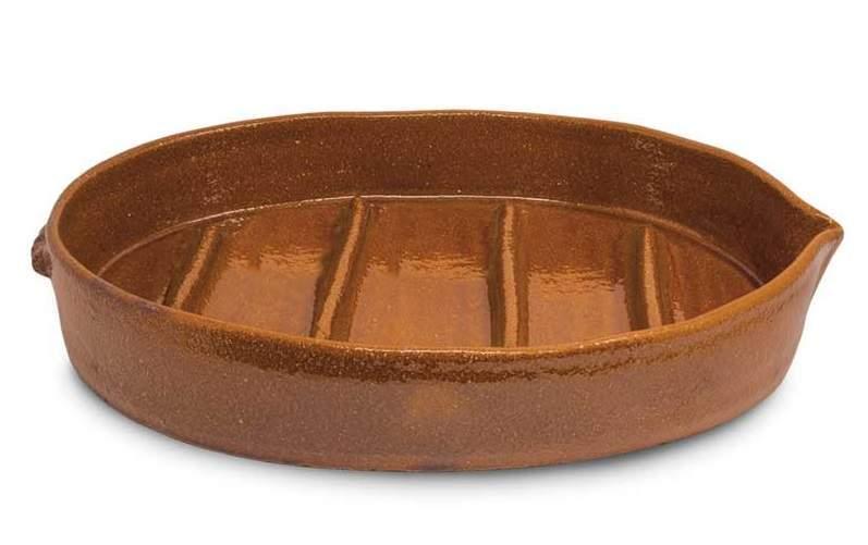 Asador ovalado de barro para cochinillo